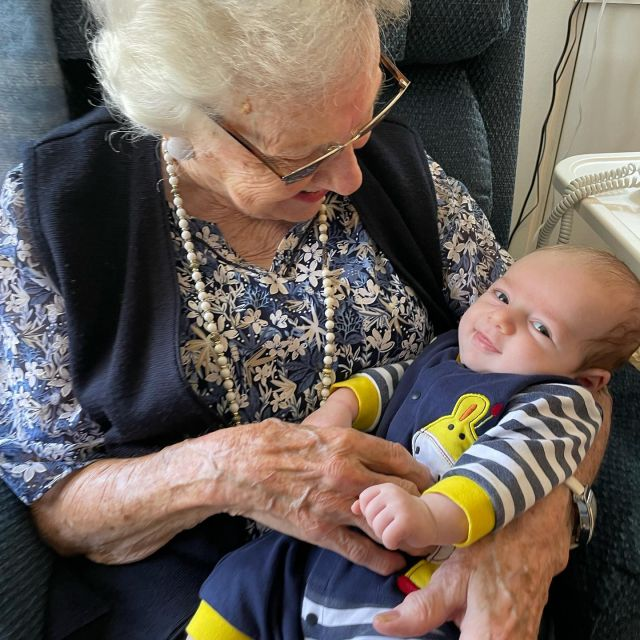 We had a really special day yesterday. Mark met his great grandmother (GG) for the first time and spent some more quality time with his Nellie. He was all smiles for them (except when hungry and tired 😆)!